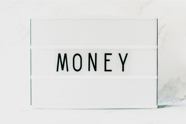 MONEYと書かれた紙