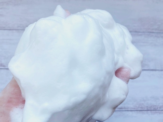 モチフワ系になったニベアメン洗顔料の泡