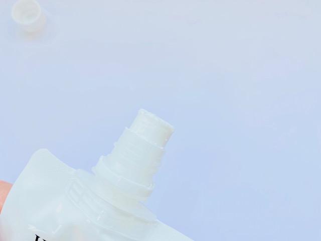 ホロベルの洗顔料「エッセンシャル保湿ウォッシュ」の使用目安量