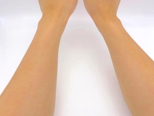 クリアスティック UVプロテクターを塗った後の両腕